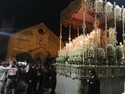 Paso de Palio de la Reina en plaza de la Asunción